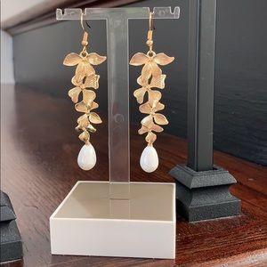 NWOT! gorgeous earrings